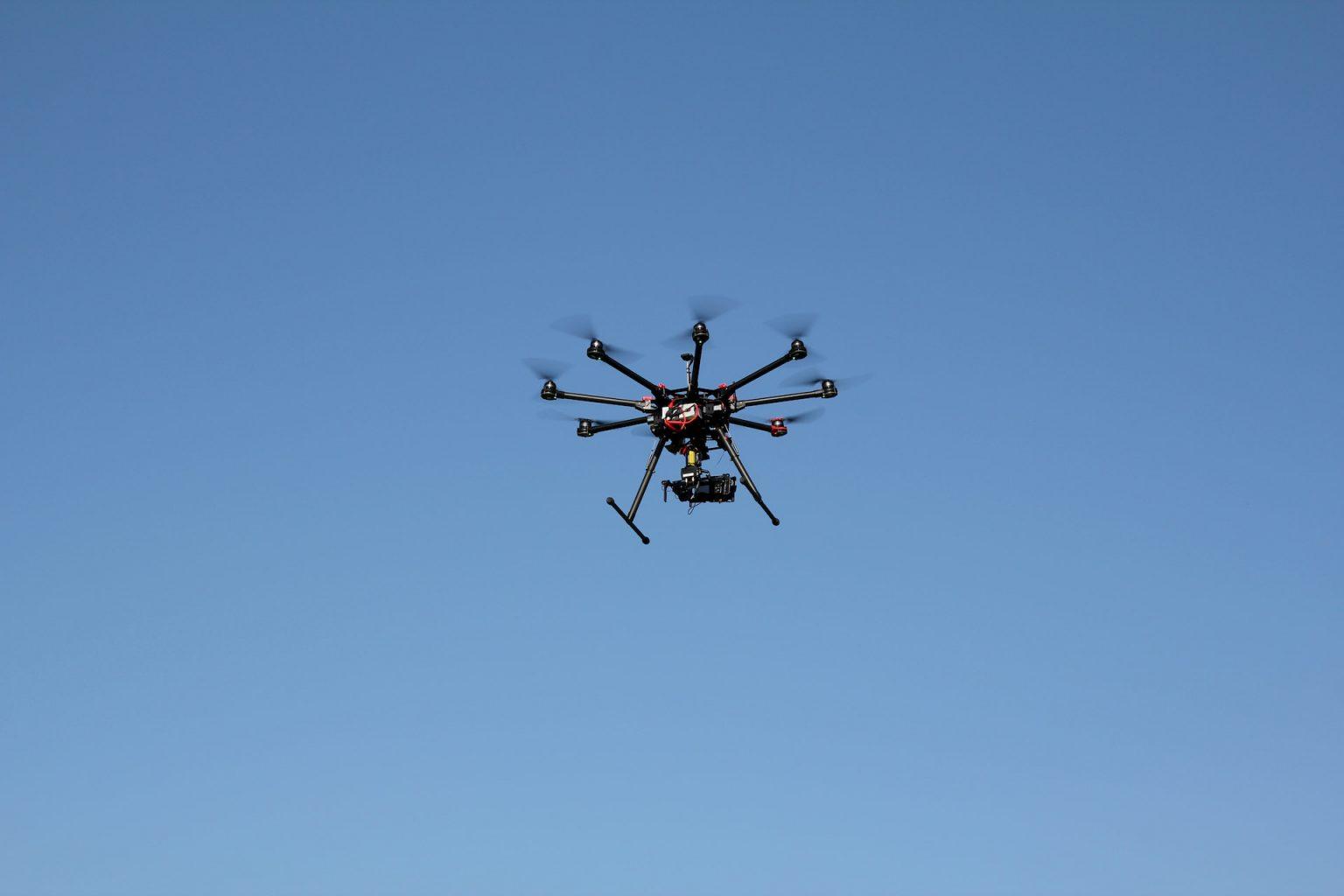 dron volando - proyecto imov3d